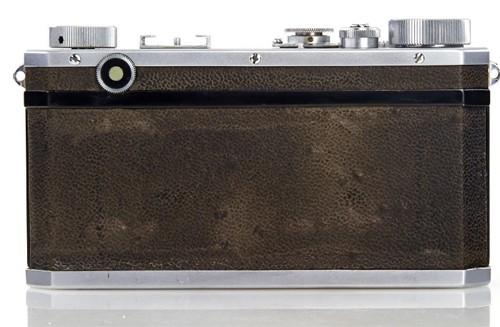 Máy ảnh Nikon cổ được bán với giá hơn 9 tỷ đồng ảnh 1