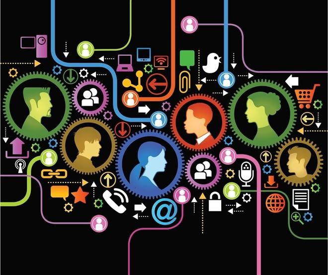 7. Nền tảng công nghệ kỹ thuật số đồng bộ: Trong tương lai, 5 nền tảng sau sẽ được đồng bộ, trở thành lõi phát triển cho các doanh nghiệp: Nền tảng thông tin, nền tảng xây dựng từ trải nghiệm của khách hàng, nền tảng dựa trên số liệu phân tích, Internet của vật dụng (IoT) và hệ sinh thái kinh doanh. Ảnh: ET Group.