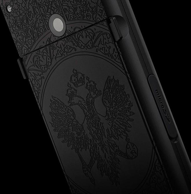 Điện thoại siêu sang cho người yêu nước Nga giá 70 triệu ảnh 4