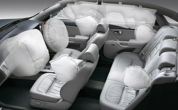 Các trang bị an toàn không thể thiếu trên ôtô ảnh 6
