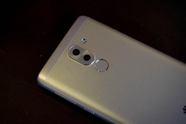 """Thị trường smartphone: """"Nóng"""" cuộc chiến trung cấp ảnh 4"""