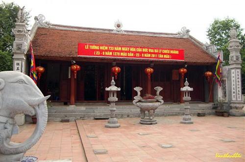 Chuyện ít biết về nữ hoàng duy nhất ở Việt Nam ảnh 1