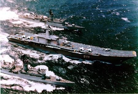 """Video: Kiếp """"sống mòn"""" của hàng không mẫu hạm duy nhất ở Đông Nam Á ảnh 1"""