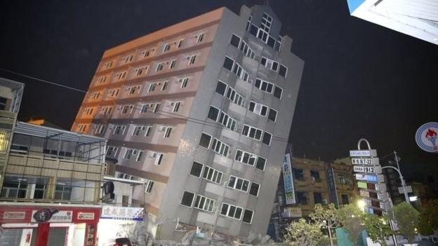Video Đài Loan bị động đất 6,4 độ richter, nhà 17 tầng đổ sập ảnh 8