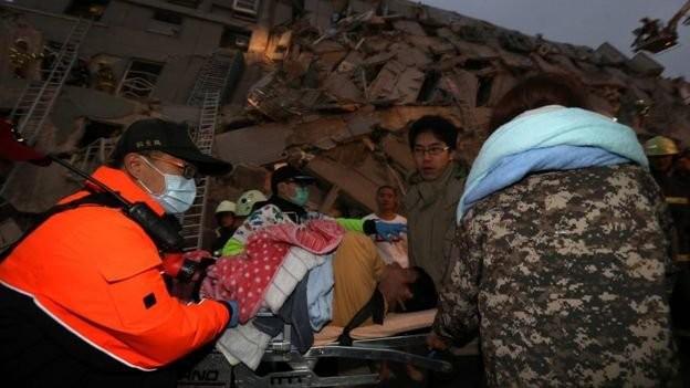 Video Đài Loan bị động đất 6,4 độ richter, nhà 17 tầng đổ sập ảnh 4
