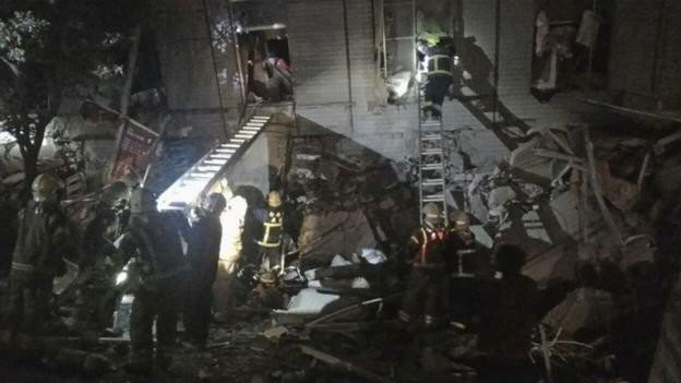 Video Đài Loan bị động đất 6,4 độ richter, nhà 17 tầng đổ sập ảnh 6