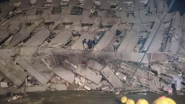 Video Đài Loan bị động đất 6,4 độ richter, nhà 17 tầng đổ sập ảnh 7
