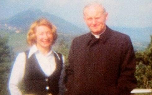 Những bức thư bí mật Giáo hoàng John Paul II gửi 1 người phụ nữ ảnh 3