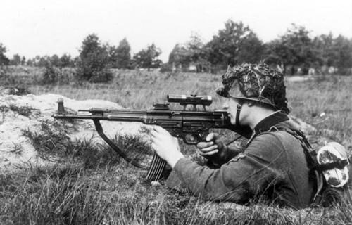 Stg-44 - loại súng uy lực từng bị Hitler hắt hủi ảnh 1