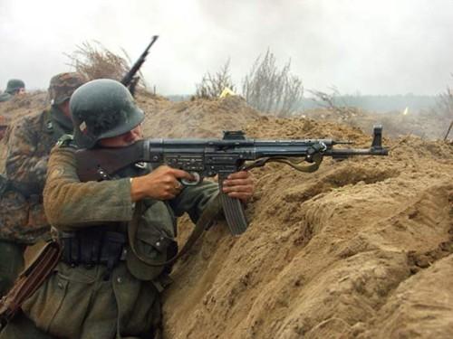 Stg-44 - loại súng uy lực từng bị Hitler hắt hủi ảnh 2