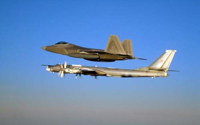 Tiêm kích MiG-29 của Liên Xô bay xuyên nước Mỹ ảnh 2