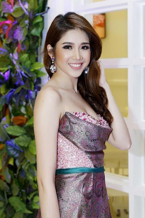 Bí thư Tỉnh đoàn Nguyễn Minh Triết làm đám hỏi với Á hậu Đồng Thanh Vy ảnh 3