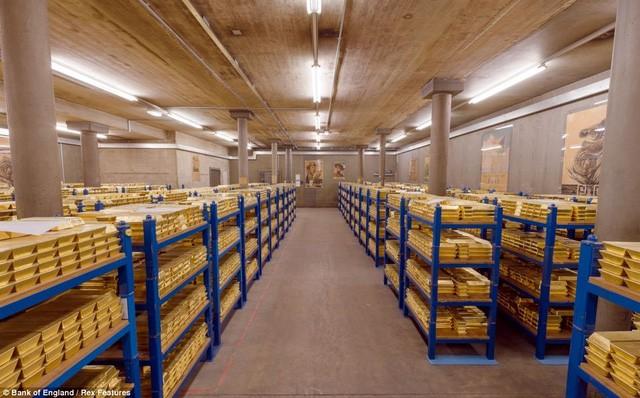 Tại sao Canada bán sạch cả ngàn tấn vàng dự trữ? ảnh 3