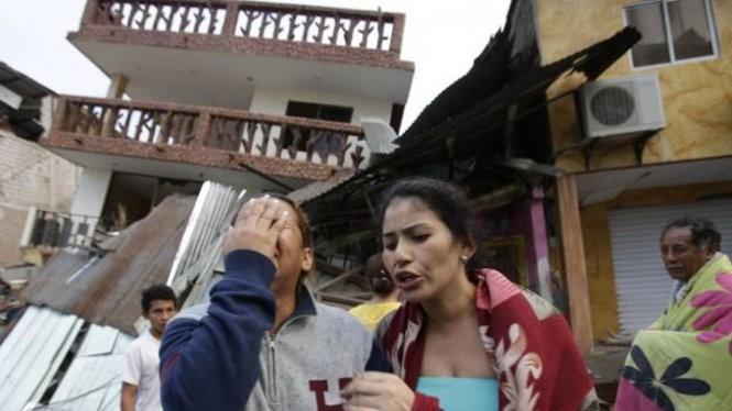 Động đất Nhật Bản, Ecuador: Lở đất đe dọa cứu hộ, số người chết tăng cao ảnh 1