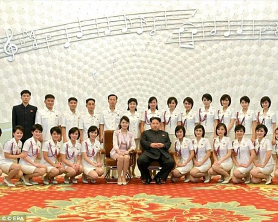"""Thực hư """"Đội giải trí trinh nữ"""" ở Triều Tiên ảnh 2"""