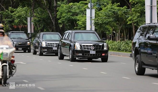 Limousine The Beast của Tổng thống Obama xuống phố Sài Gòn ảnh 6