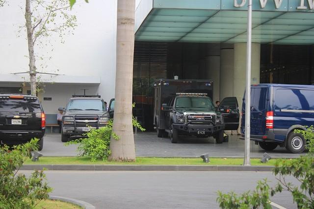 Đoàn xe đón ông Obama đã rời khách sạn đến Sân bay Nội Bài ảnh 2