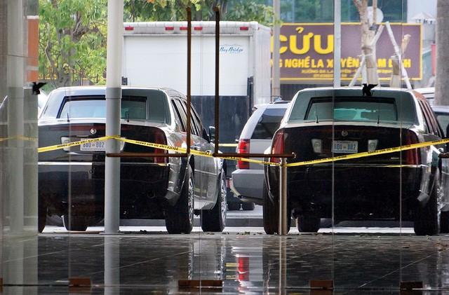 Đoàn xe đón ông Obama đã rời khách sạn đến Sân bay Nội Bài ảnh 16