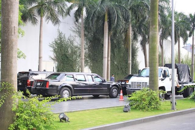 Đoàn xe đón ông Obama đã rời khách sạn đến Sân bay Nội Bài ảnh 3