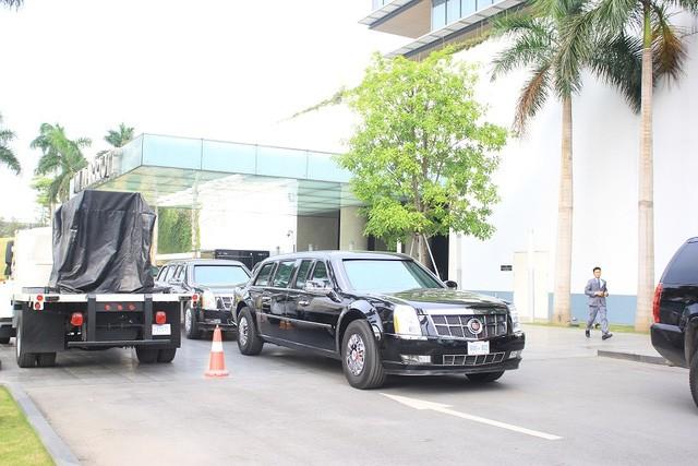Đoàn xe đón ông Obama đã rời khách sạn đến Sân bay Nội Bài ảnh 4