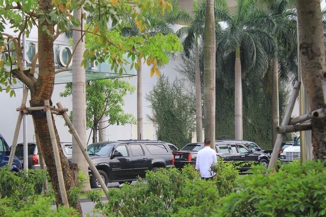 Đoàn xe đón ông Obama đã rời khách sạn đến Sân bay Nội Bài ảnh 1