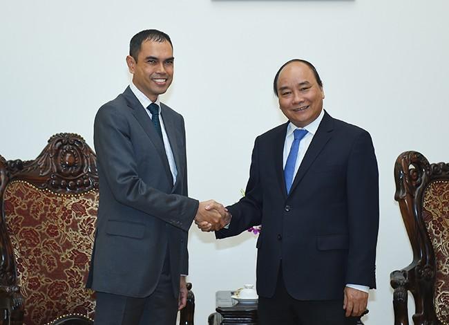 Thủ tướng Nguyễn Xuân Phúc tiếp Đại sứ Thái Lan và Đại sứ Malaysia ảnh 1