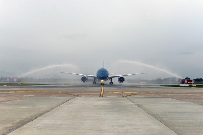 Vietnam Airlines đón nhận máy bay Boeing 787 Dreamliner thứ 10 ảnh 1