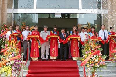 Ông Đinh La Thăng, tháp dầu khí và món quà tặng trăm tỷ của PVN ảnh 2