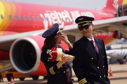 Thu nhập phi công nhìn từ Báo cáo thường niên của Vietnam Airlines và Vietjet Air ảnh 2