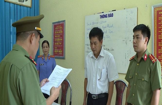 Khởi tố Phó Giám đốc Sở GD&ĐT Sơn La cùng 4 đối tượng khác ảnh 1