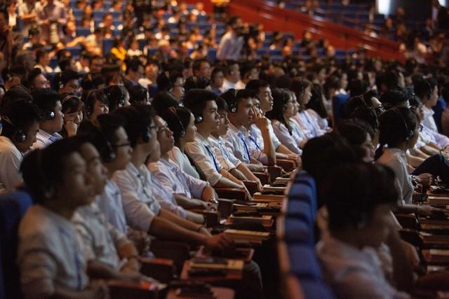 Bộ trưởng trẻ nhất Malaysia, nữ tỷ phú đầu tiên của Việt Nam và những giấc mơ bỏ ngỏ cho người trẻ - Ảnh 1.