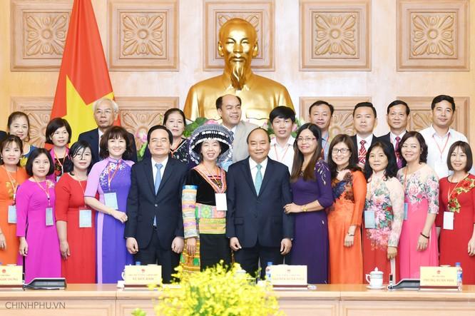 Thủ tướng: Người thầy phải 'gieo mầm' những phẩm chất tốt đẹp ảnh 3