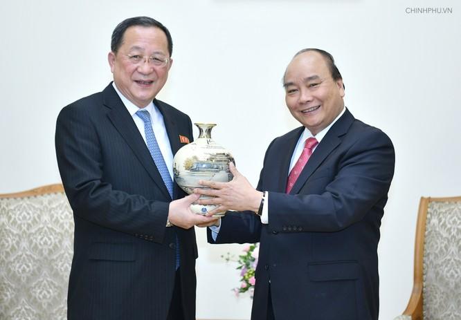 Thủ tướng tiếp Bộ trưởng Ngoại giao Triều Tiên ảnh 1