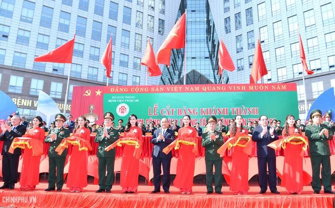 Bệnh viện Trung ương Quân đội 108 lần thứ 2 nhận danh hiệu Anh hùng ảnh 1
