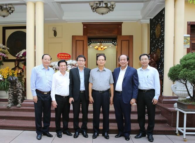 Lãnh đạo VPCP thăm, chúc tết nguyên Thủ tướng Nguyễn Tấn Dũng ảnh 1