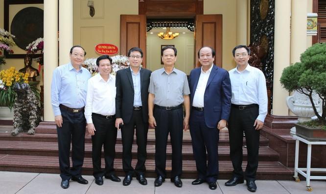 Lãnh đạo VPCP thăm, chúc tết nguyên Thủ tướng Nguyễn Tấn Dũng