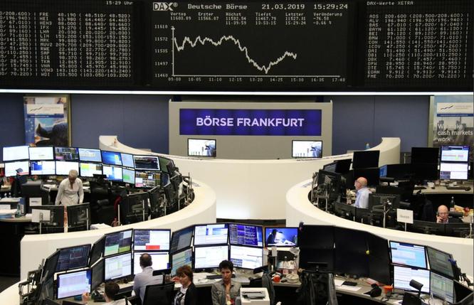 Dow Jones mất 460 điểm, chứng khoán toàn cầu đồng loạt giảm ảnh 1