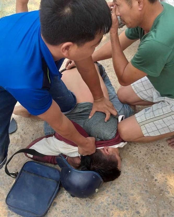 Bắt 3 người tháo chạy bỏ gần 1 tấn nghi là ma túy ở Nghệ An - ảnh 2