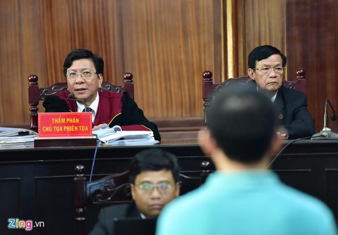 Vi sao chong ca si Trang Nhung xuat hien o phien toa VN Pharma? hinh anh 2