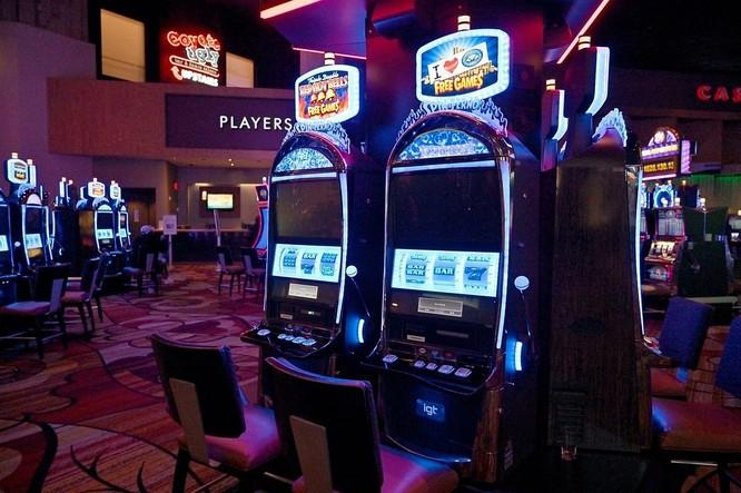 Sòng bạc vắng người tại New York-New York Hotel & Casino ở Las Vegas ngày 16/3. Ảnh: Zuma Press