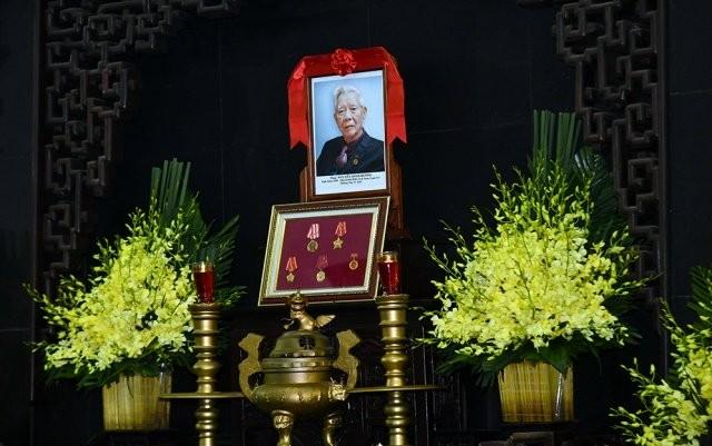 Cử hành trọng thể lễ tang đồng chí Nguyễn Đình Hương ảnh 2