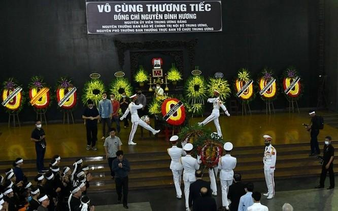 Cử hành trọng thể lễ tang đồng chí Nguyễn Đình Hương
