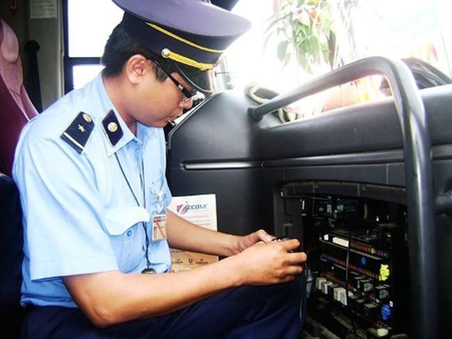 Xem xét siết chặt quản lý thiết bị giám sát hành trình, đề xuất biện pháp xử lý tài xế sử dụng chất kích thích ảnh 1