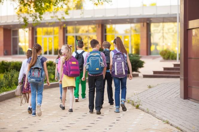 Trẻ sẽ được được thụ hưởng môi trường giáo dục chuẩn quốc tế với hệ thống trường liên cấp tại phân khu The Valencia mà không phải đi xa.