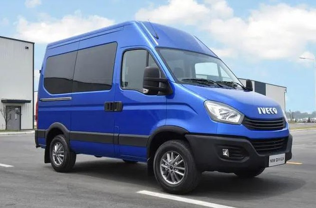 Lộ xe mới do THACO phân phối cạnh tranh Hyundai Solati và Ford Transit: Thương hiệu Châu Âu, thiết kế lạ, lắp ráp tại Việt Nam ảnh 1