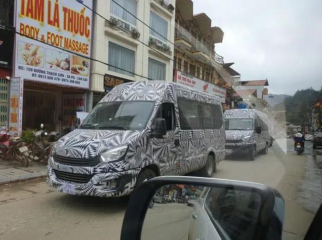 Lộ xe mới do THACO phân phối cạnh tranh Hyundai Solati và Ford Transit: Thương hiệu Châu Âu, thiết kế lạ, lắp ráp tại Việt Nam ảnh 3