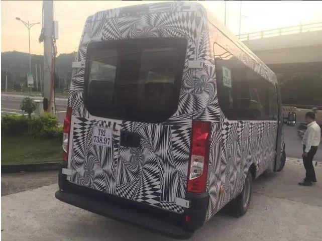 Lộ xe mới do THACO phân phối cạnh tranh Hyundai Solati và Ford Transit: Thương hiệu Châu Âu, thiết kế lạ, lắp ráp tại Việt Nam ảnh 4