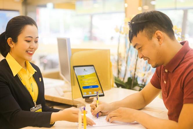 Nam A Bank tặng lộc xuân cho khách hàng giao dịch đầu năm ảnh 2