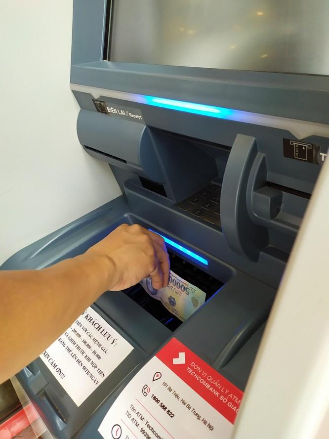 Techcombank thêm tiện ích trên hệ thống ATM Thế hệ mới: Giao dịch an toàn - Nhanh chóng - Thuận tiện trong bối cảnh COVID-19 ảnh 2