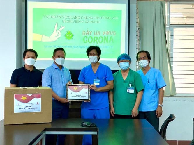 Vicoland Group trao tặng 5000 bộ test nhanh tiếp sức Đà Nẵng chống dịch ảnh 1